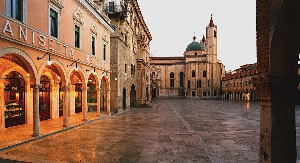 AscoliPiceno_PiazzadelPopolo_zps2732644c1